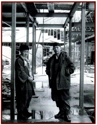 Nakagawa & Shimano auf der Baustelle von Dai Bosatsu